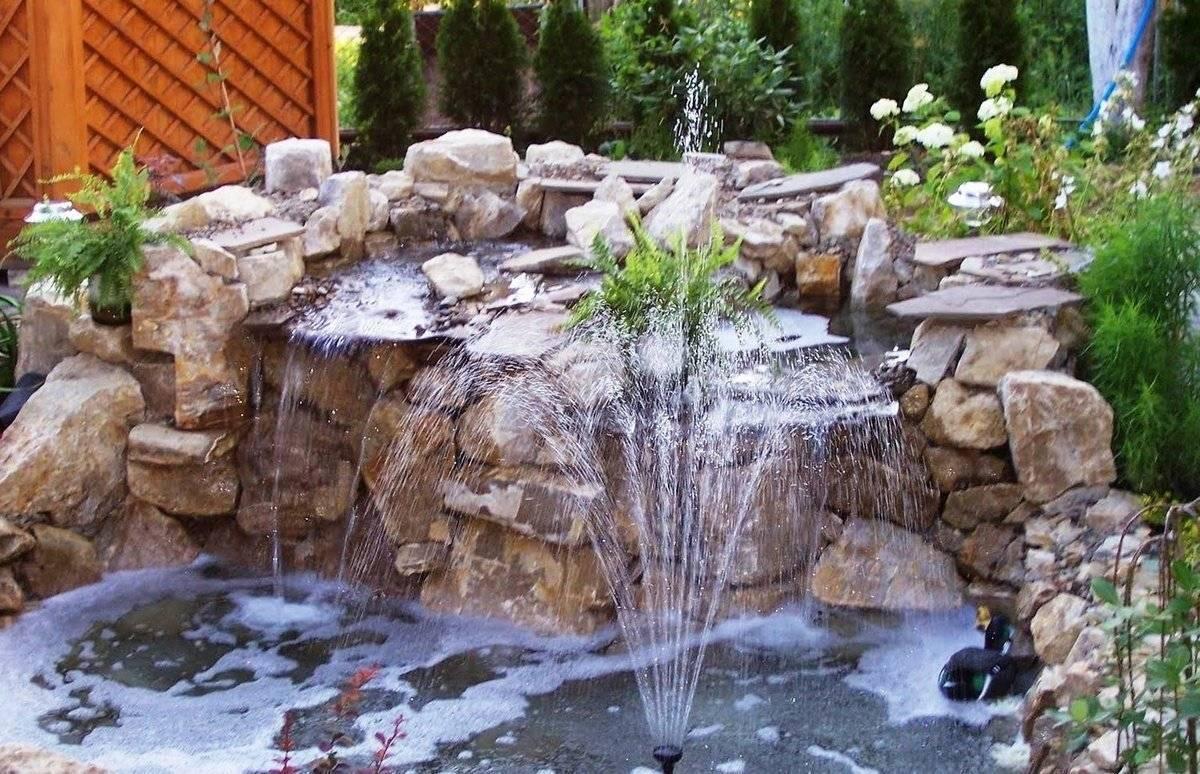 Фонтаны для дачи, декоративные уличные садовые мини-фонтаны на участке загородного дома
