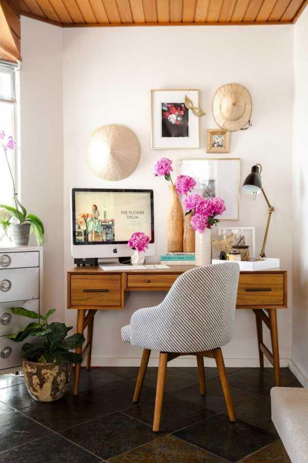 Стенка со столом в гостиную: особенности и критерии выбора