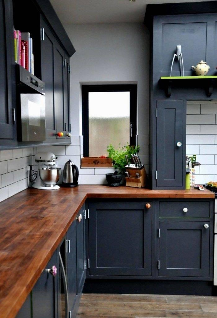 Розовая кухня с белым, серым и бежевым - 21 фото