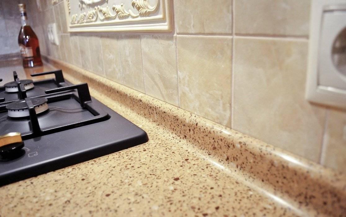 Как установить плинтус для кухонной столешницы