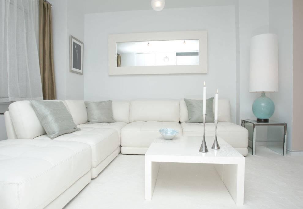 Белая гостиная — идеи нежного интерьера (70 фото)