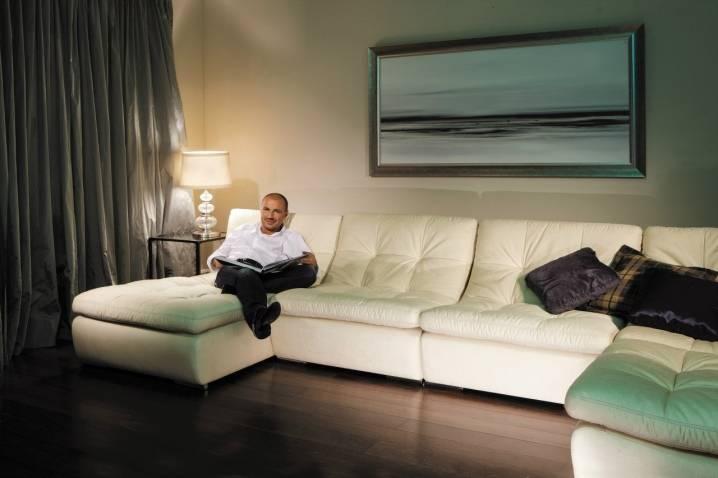 Диван + ковер в гостиной: примеры правильного сочетания (50 фото)