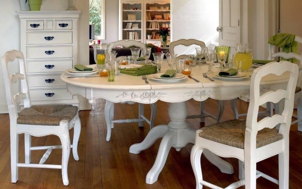 Дизайн маленькой гостиной с обеденным столом: как правильно его разместить и каких размеров он нужен