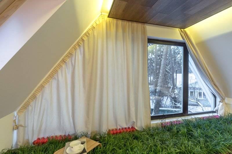 Мансардные шторы: особенности выбора дизайна, креплений, установки и 107 фото