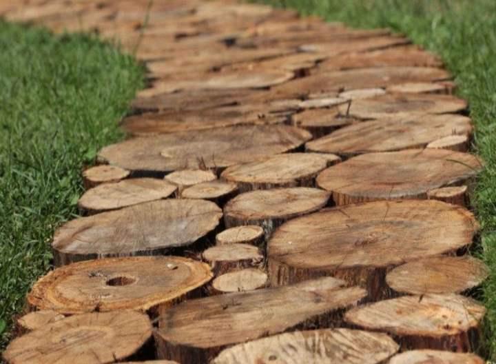 Дорожка из дерева в саду: как сделать своими руками
