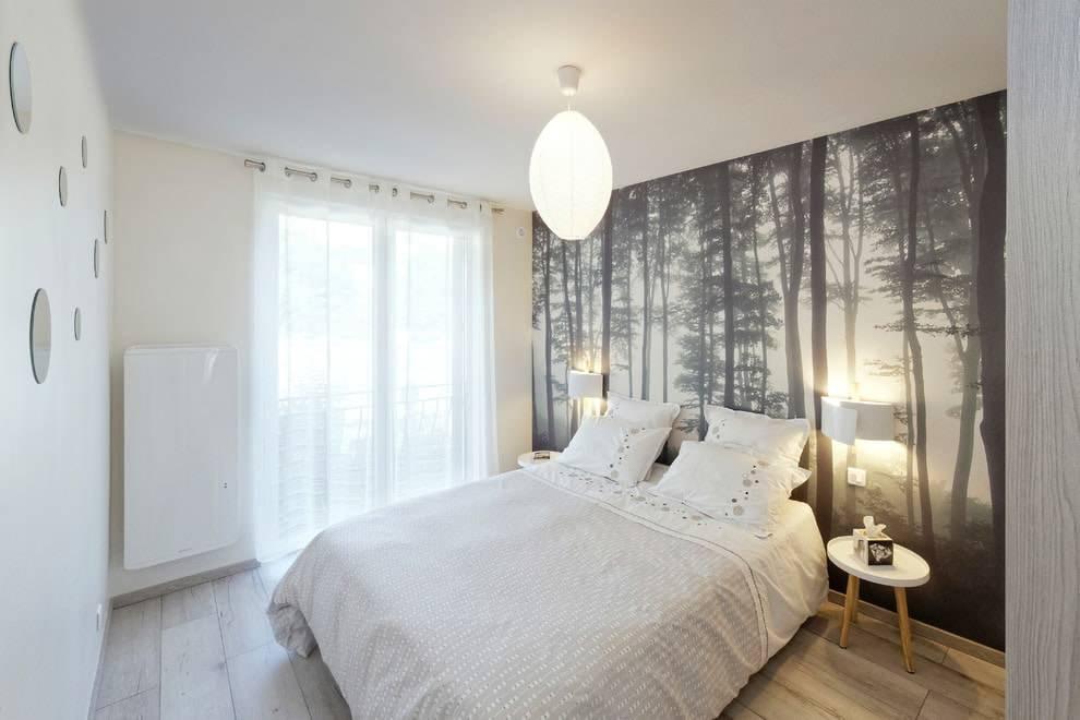 Дизайн маленькой спальни для двоих взрослых в современном стиле: как обустроить интерьер с двуспальной кроватью  - 36 фото