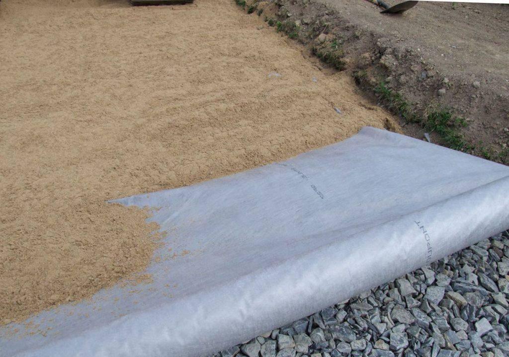 Укладка тротуарной плитки своими руками: пошаговая инструкция и советы