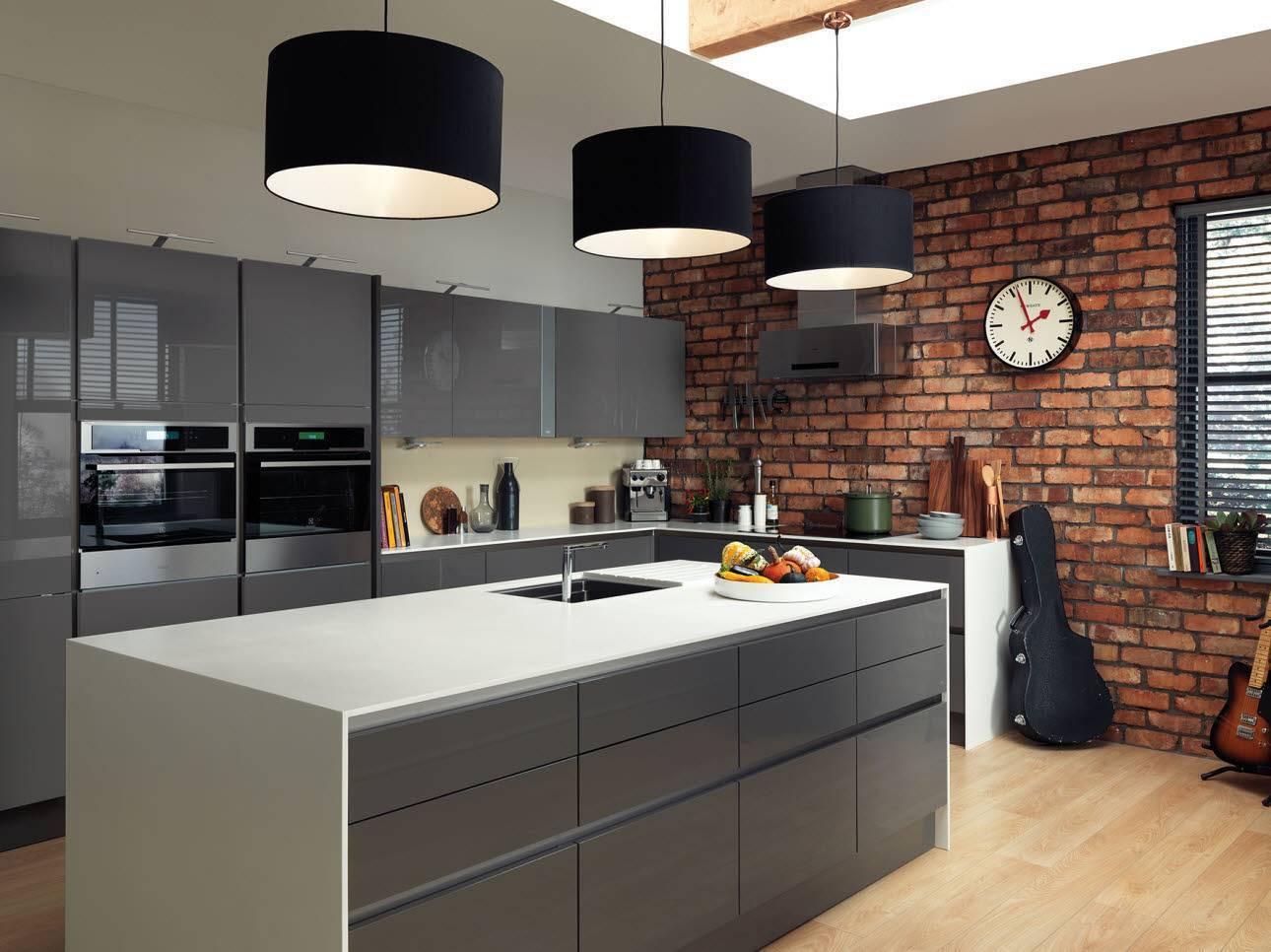 Серая кухня (102 фото): дизайн кухни в серых тонах. кухонный гарнитур светло-серого цвета с деревом в интерьере, другие варианты. с какими цветами она сочетается?