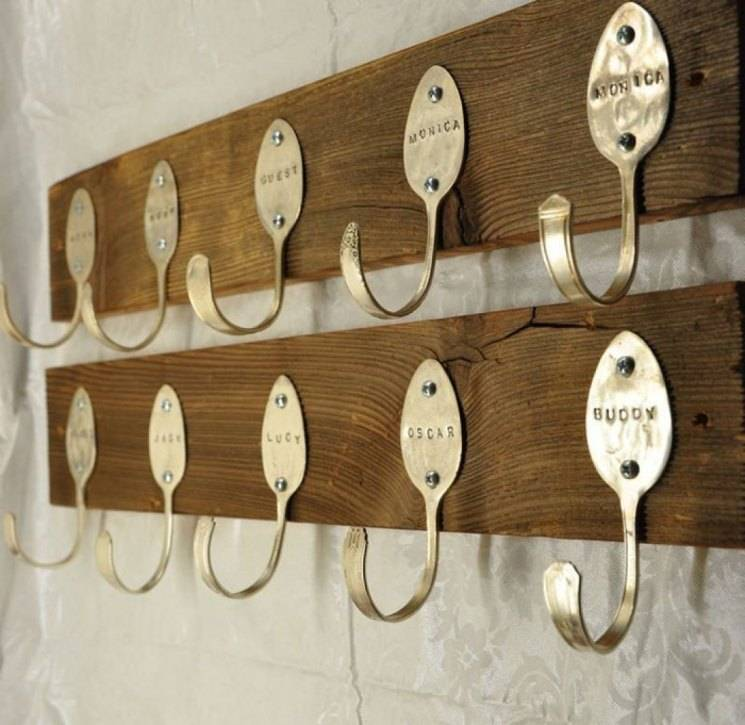 Напольная вешалка для одежды своими руками: из трубы, деревянная и пр, фото и чертежи