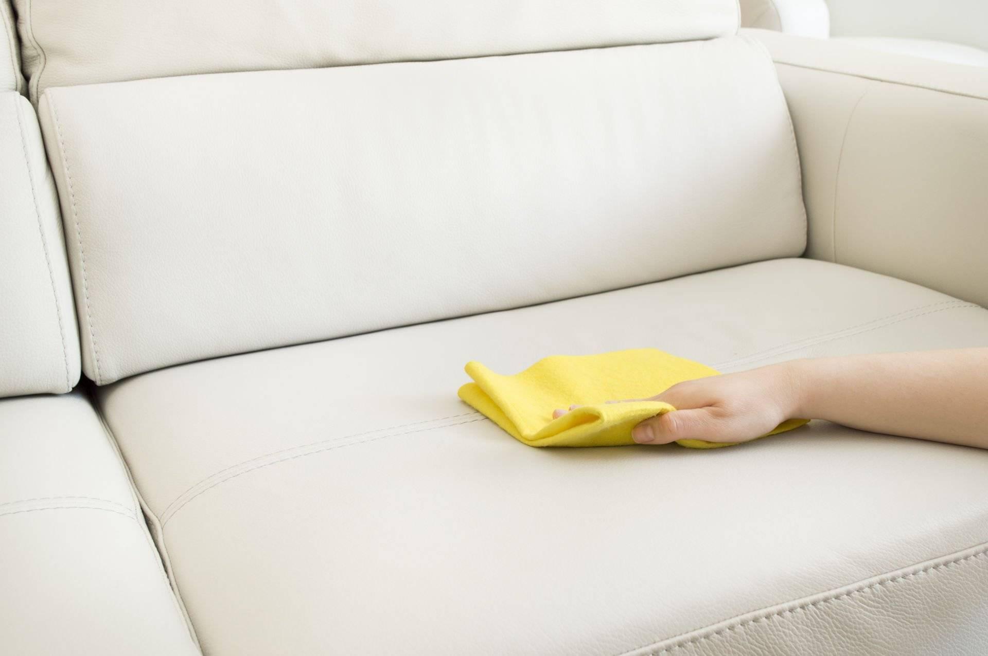 Маленькие диваны: стильные идеи и оптимальные сочетания под современный интерьер (100 фото)