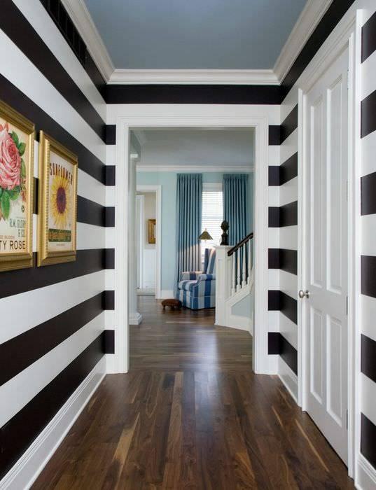 Дизайн длинного коридора в квартире - реальные фото примеров оформления
