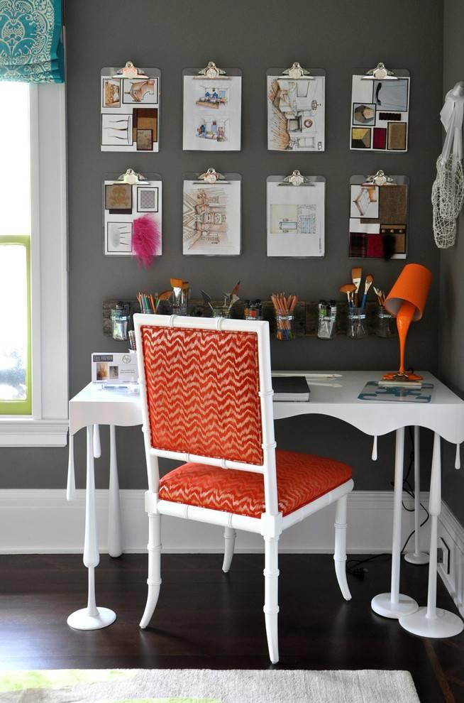 Как украсить рабочий стол и окружающее его пространство?