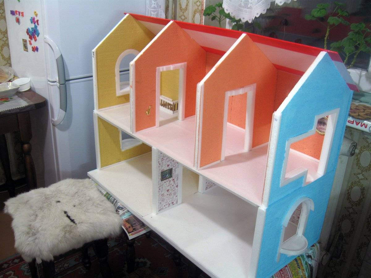 Как сделать кукольный домик своими руками — идеи из разных материалов