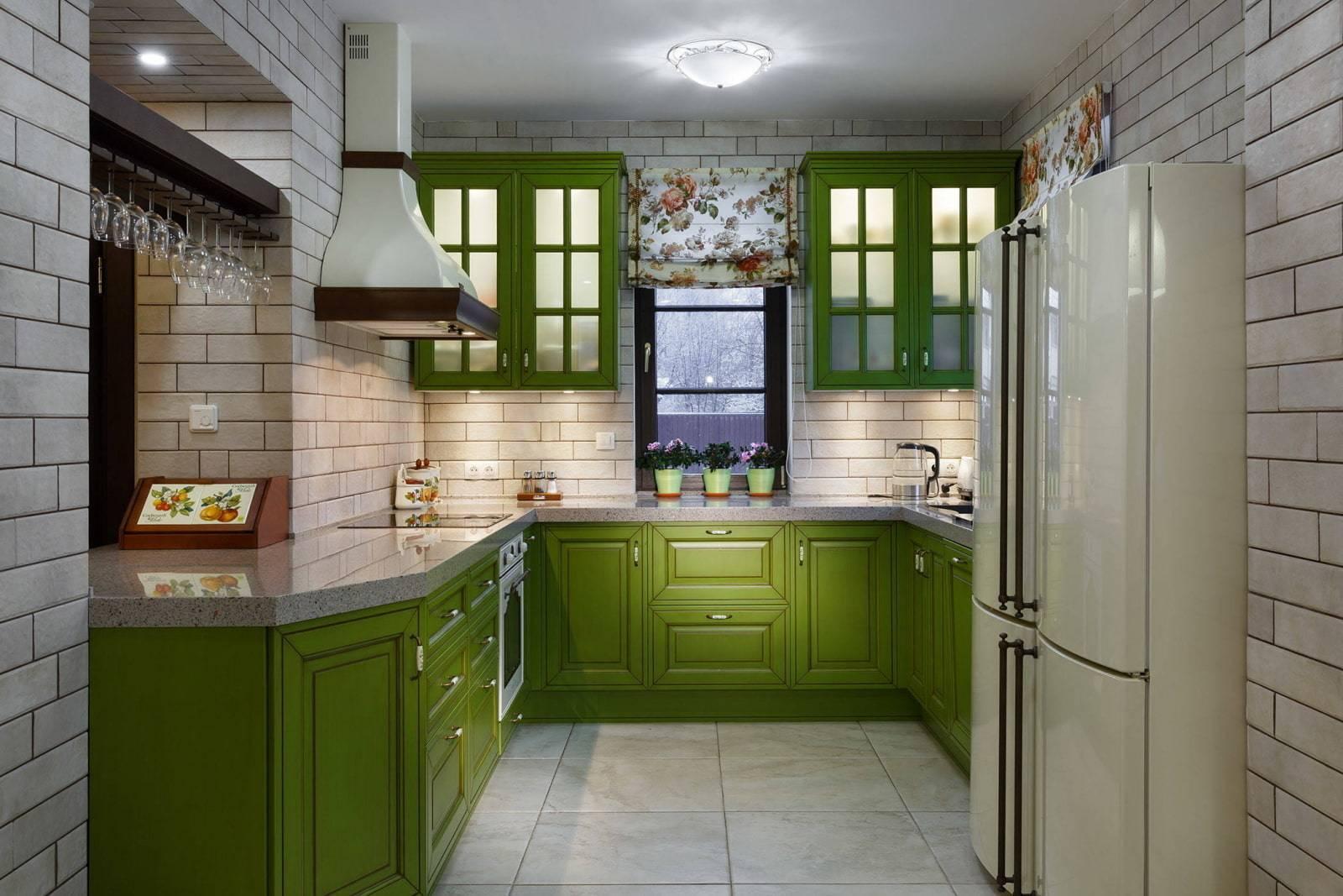 Бело-зеленая кухня (43 фото): кухонный гарнитур с белым верхом и зеленым низом в интерьере. варианты акцентов и дизайна