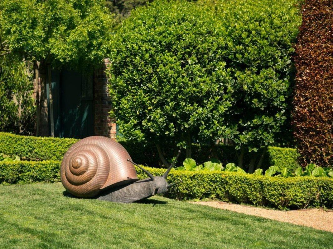 Садовые скульптуры своими руками. из чего и как можно сделать скульптуру для дачи?