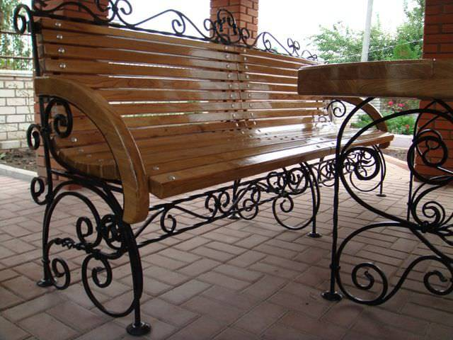 20 великолепных скамеек для садового участка, которые станут предметом зависти соседей
