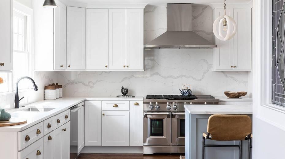 50 вариантов дизайна маленькой кухни с угловым гарнитуром