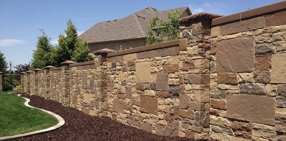 Как сделать забор из камня своими руками: поэтапная инструкция
