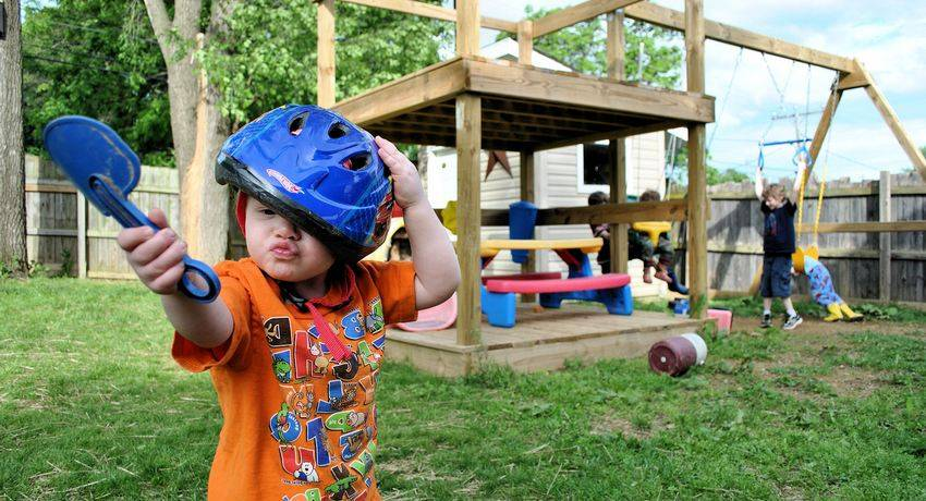 Детская площадка своими руками из подручных материалов на даче: проектирование, реализация, фото