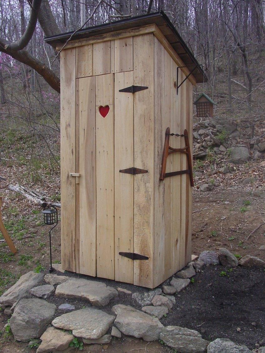 Туалет на даче своими руками — интересные идеи для постройки туалетов, и советы как быть оригинальнее в статье!