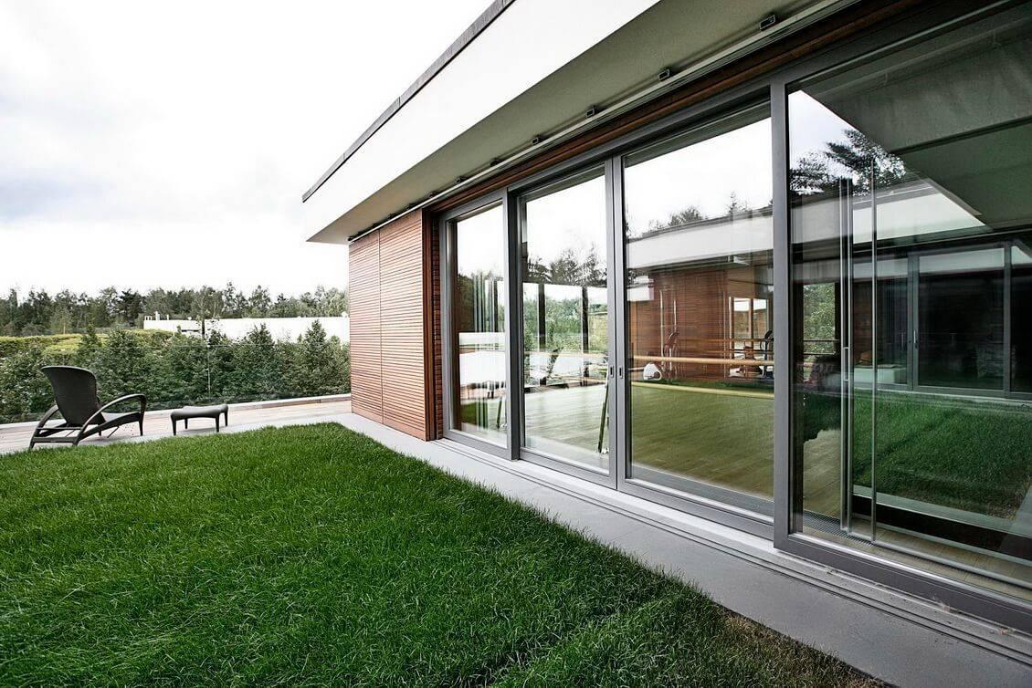 Остекление веранды и террасы – безрамное, веранда к дому с пластиковыми окнами, раздвижные окна