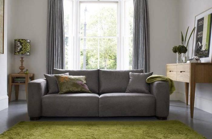 Функциональный дизайн кухни с диваном