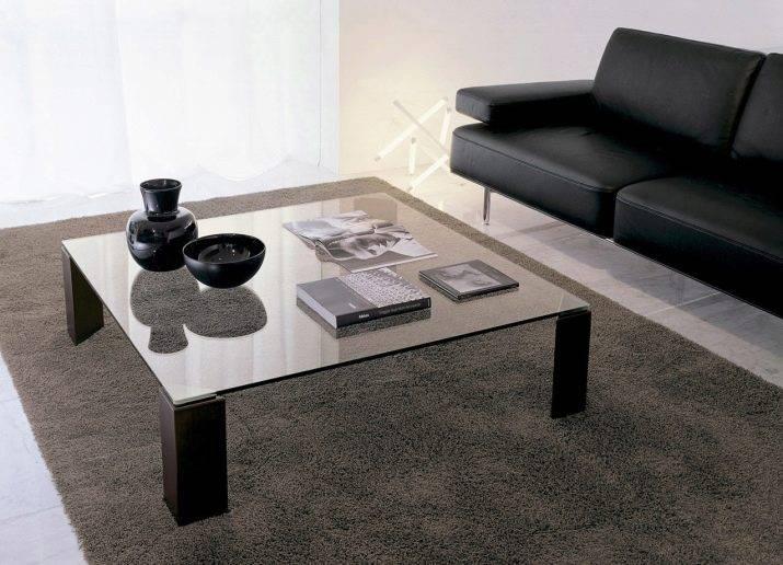 Журнальные столы в интерьере гостиной — красивые идеи оформления