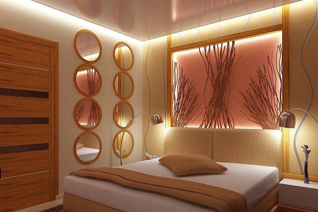 Какие люстры выбрать в спальню к натяжному потолку