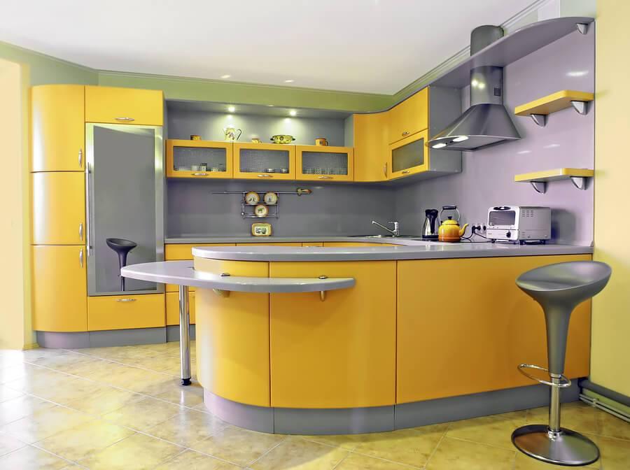Желто-черная кухня: сочетания тонов в дизайна интерьера с серым, желтым