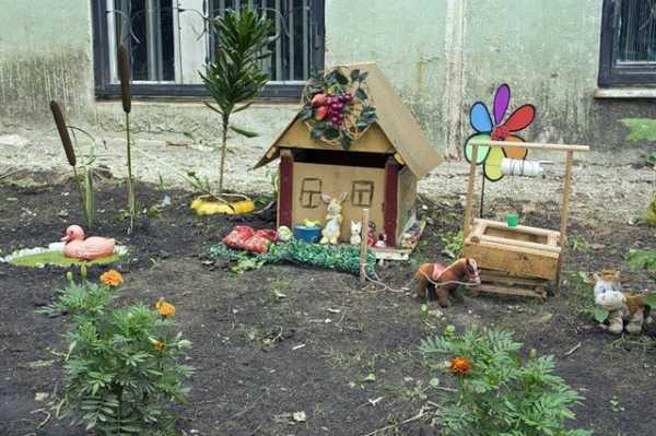 Как украсить двор своими руками с помощью подручных материалов: фото и идеи