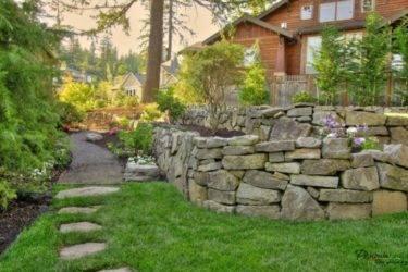 Камни для ландшафтного дизайна — обзор популярных идей с натуральным камнем и галькой (70 фото)