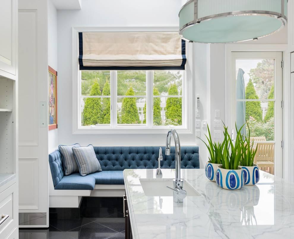 Маленький диван на кухню: правила выбора и размещения в интерьере