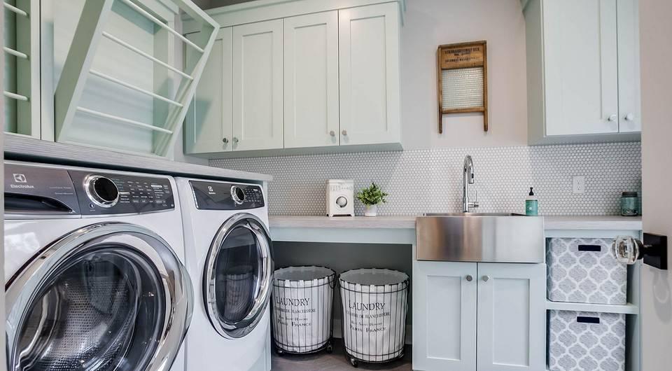Дизайн ванной комнаты 6 кв м с туалетом и стиральной машиной, интерьер совмещенного санузла, планировка с душевой в современном стиле