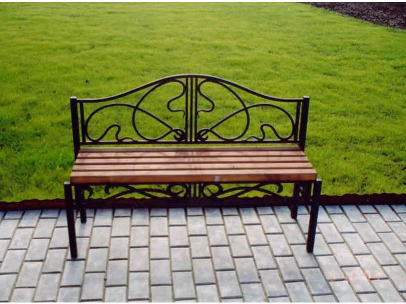 Кованая садовая мебель (37 фото): холодная ковка в оформлении дачного интерьера, оригинальные дизайнерские решения для дачи