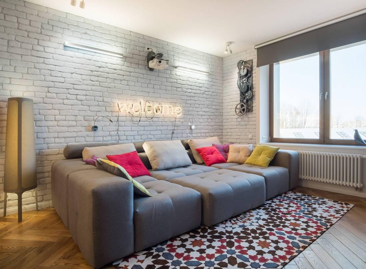 Использование желтого дивана в интерьере и 90 фото примеров