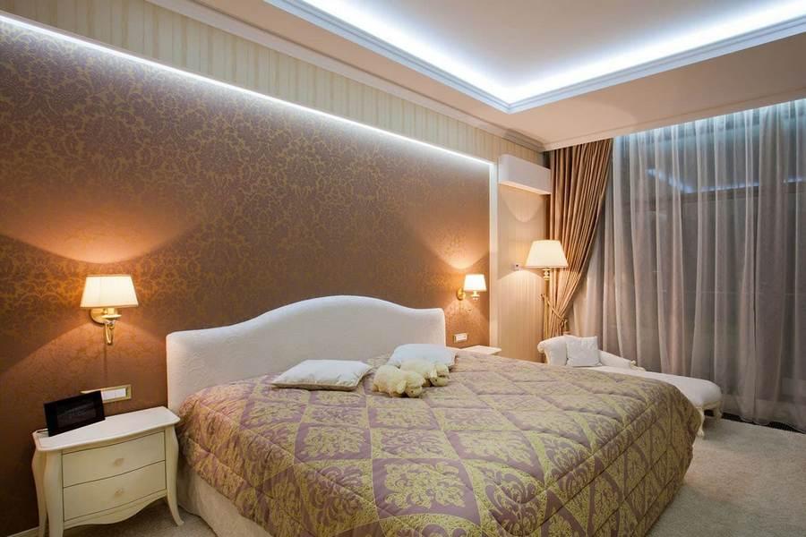 Натяжные потолки в спальне: 100 вариантов в интерьере