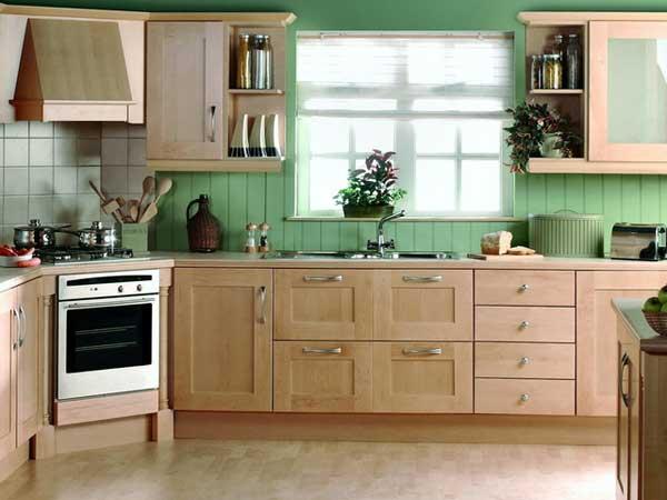 Кухни с окном посередине: особенности, планировка и дизайн