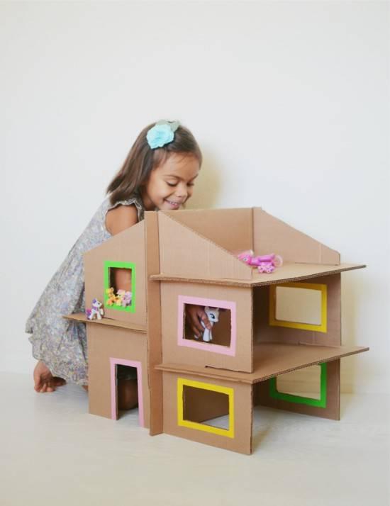 Как сделать кукольный домик своими руками