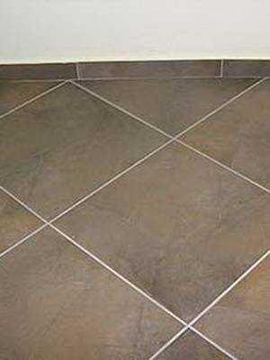 Способы укладки плитки на пол: 8 вариантов раскладки