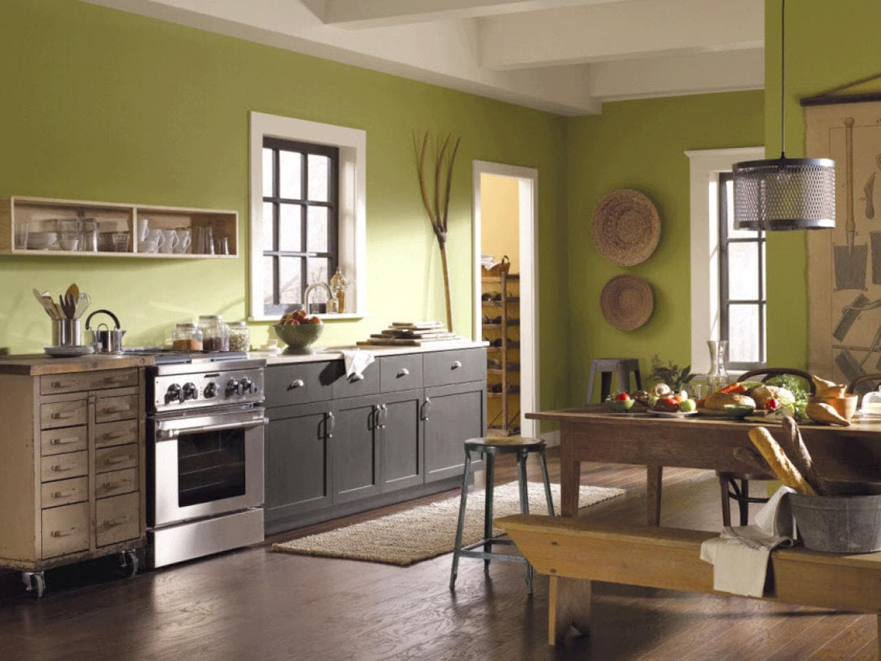 Особенности покраски стен на кухне