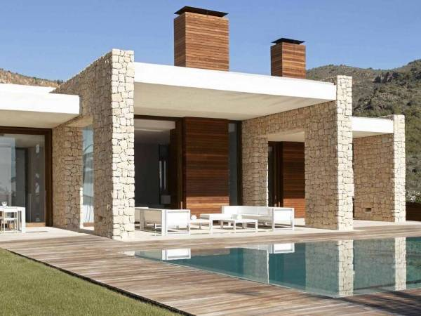 Фасады частных домов: современные идеи по оформлению с фото