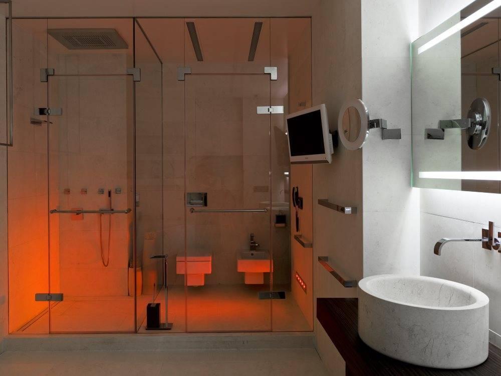 Дизайн ванной комнаты с душевой кабиной (80 фото): уголок из плитки в маленькой ванной комнате, планировка пространства и варианты-2021 интерьеров санузла