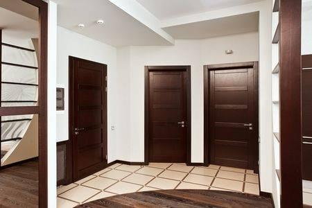 Ламинат на стене в прихожей (74 фото): красивые варианты отделки коридора ламинатом, тонкости оформления дизайна интерьера