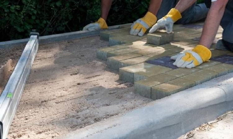 Укладка тротуарной плитки своими руками — пошаговая инструкция