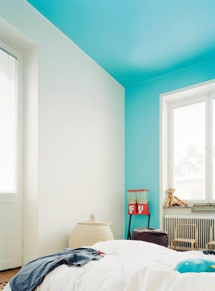 Что нужно знать о водоэмульсионной краске, как покрасить стены и поклеить обои?