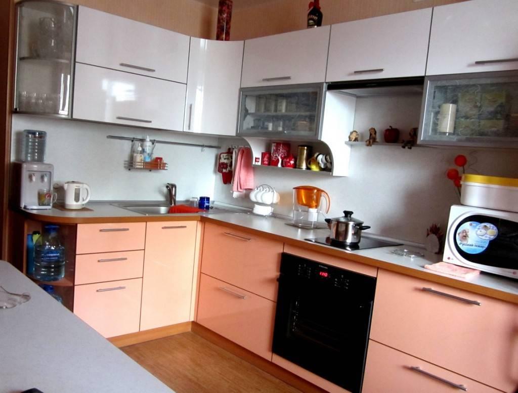 Персиковый цвет стен – сочетание в интерьере, выбор стиля