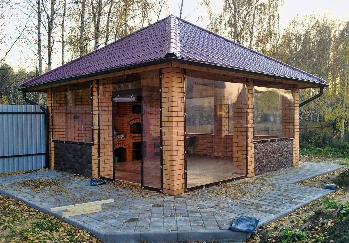 Закрытая беседка с мангалом (41 фото): теплая зимняя конструкция, утепленное изделие с печкой крытого типа, каркасная беседка