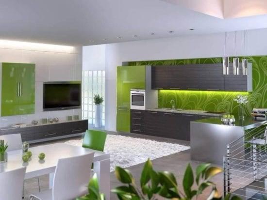 Серая кухня с деревянной столешницей и фартуком с яркими акцентами в интерьере: сочетание цветов  - 38 фото