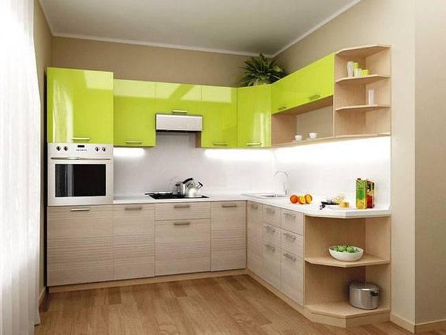Дизайн и ремонт зеленой кухни 9 кв м с фасадами из массива