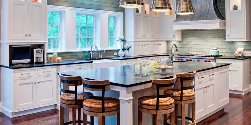 Дизайн летней кухни в загородном частном доме, на даче: отделка внутри помещения - 31 фото